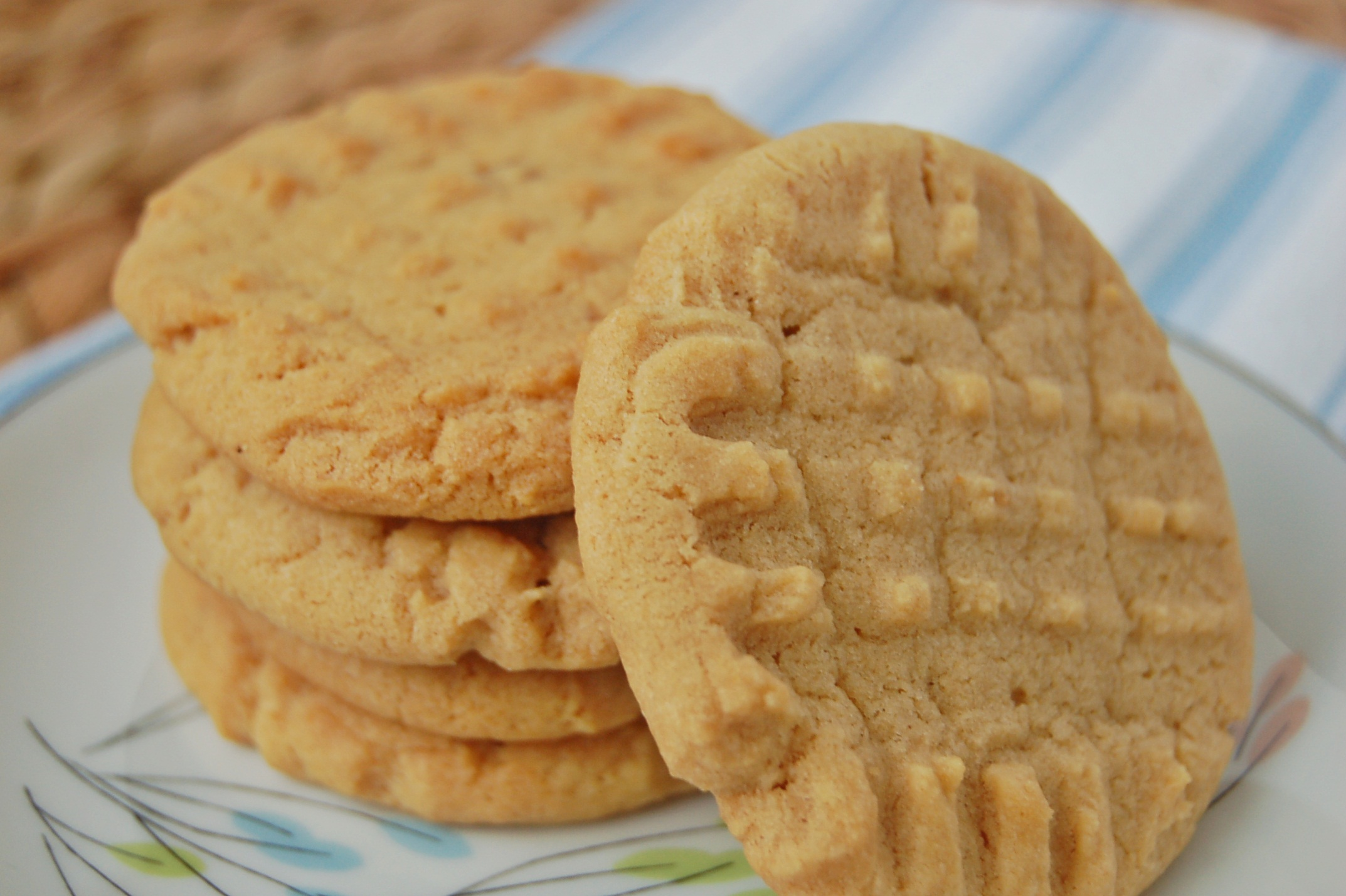 Classic Peanut Butter Cookies – The Apron Archives