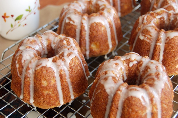 Banana Mini Bundt Cakes