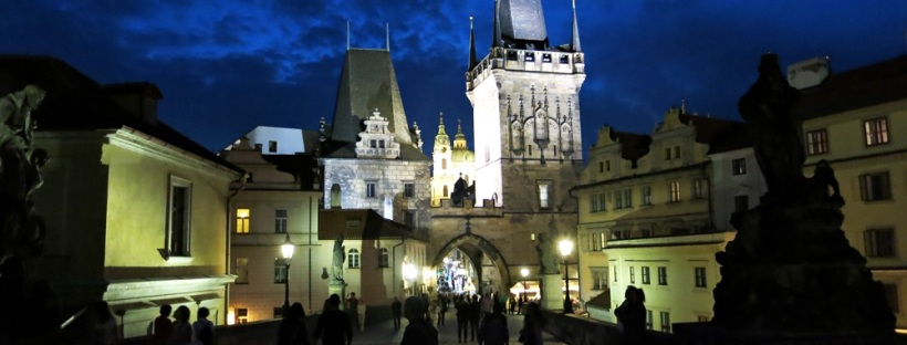 prague charles bridge night