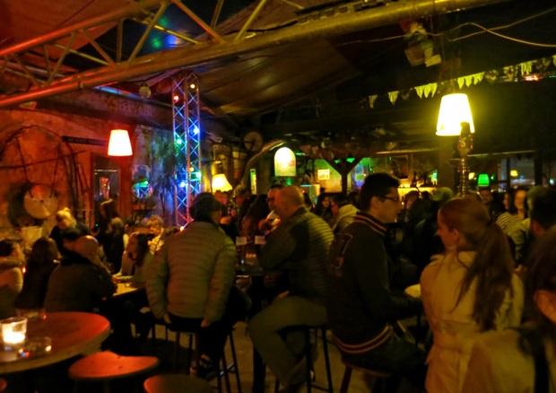 budapest ruin pub