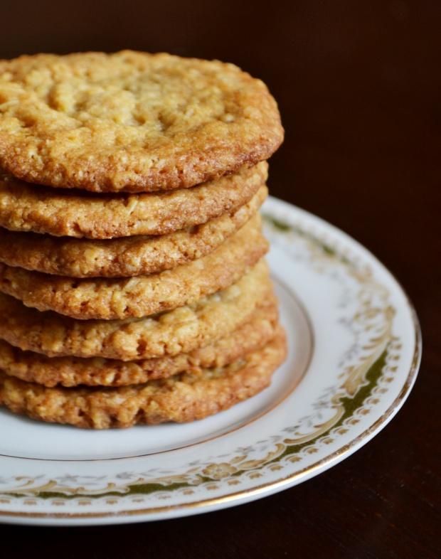 Crispy Oatmeal Jonnycake Cookies